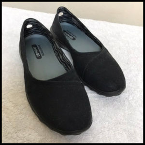 Like New Skechers Canvas On The Go Flats